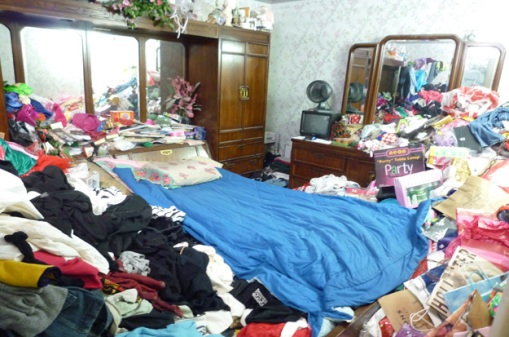 hoarder bedroom